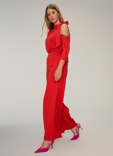 NGSTYLE Yırtmaç Detaylı Pantolon Kırmızı